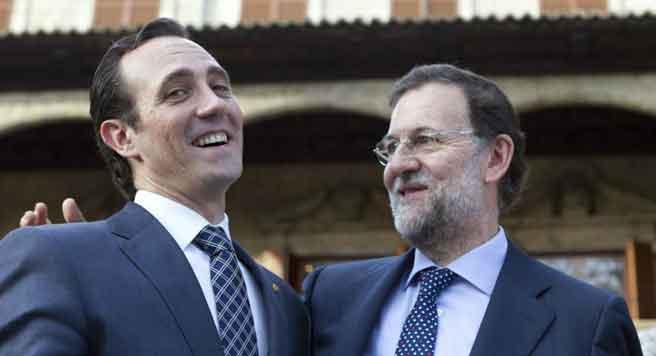El presidente electo de Baleares, José Ramón Bauzá, junto al presidente del PP, Mariano Rajoy