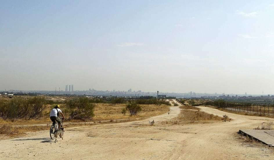 Terrenos situados al norte del municipio de Alcorcón, donde se preveía construir Eurovegas. (EFE)