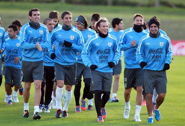 Forlán lidera a la selección uruguaya